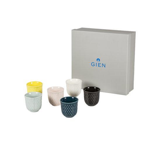 vasos de té, mesa, vasos colores, indietro