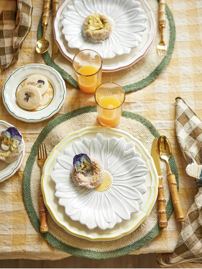 indietro, mesa, salvamanteles , platos margaritas