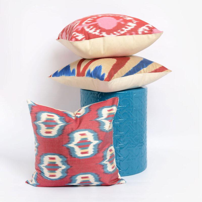stool, cojines, azules, granates, seda